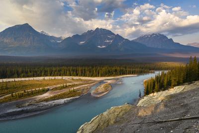 https://imgc.artprintimages.com/img/print/canada-alberta-jasper-national-park-athabasca-river-valley-at-first-light_u-l-q1gskpt0.jpg?p=0