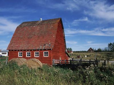 Canada, Alberta, Red Barn-Mike Grandmaison-Photographic Print