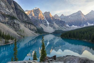 https://imgc.artprintimages.com/img/print/canada-banff-national-park-valley-of-the-ten-peaks-moraine-lake_u-l-pyor950.jpg?p=0