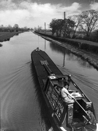 Canal Barge Couple--Photographic Print