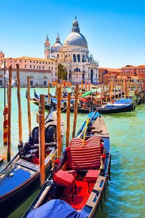 canal-gondolas-church-venice