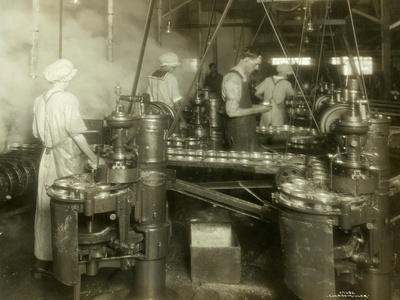 https://imgc.artprintimages.com/img/print/cannery-workers-anancortes-wa_u-l-pdo0vo0.jpg?p=0
