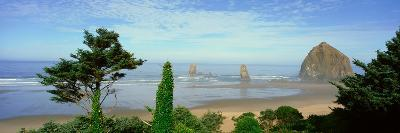 Cannon Beach, Oregon--Photographic Print