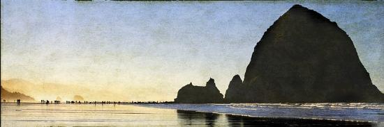 Cannon Beach Stroll-Doug Landreth-Premium Photographic Print