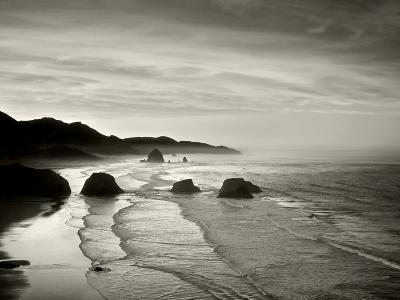 Cannon Beach-Dennis Frates-Photographic Print