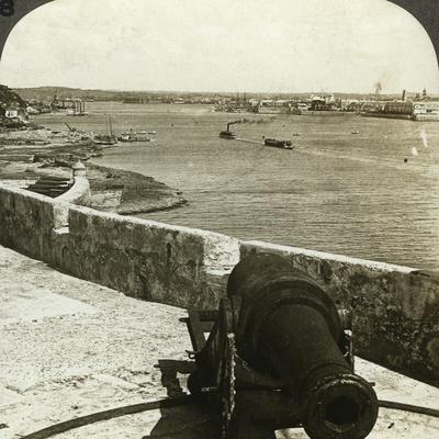 Cannon, Morro Castle, Havana, Cuba-Underwood & Underwood-Framed Photographic Print