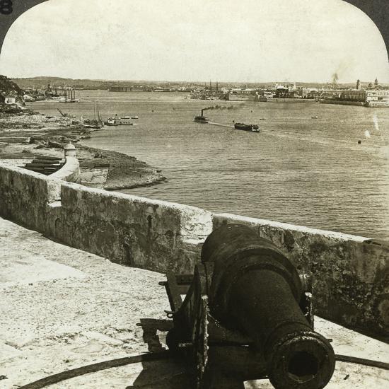 Cannon, Morro Castle, Havana, Cuba-Underwood & Underwood-Photographic Print