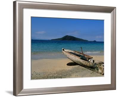 Canoe, Los Cochino, Garifuma, Honduras-Timothy O'Keefe-Framed Photographic Print