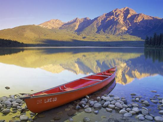 Canoe on Pyramid Lake-Kevin Law-Photographic Print