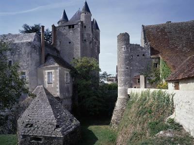 Caponiere, Defensive Position Which Rises Above Moat, Castle of Bridore--Giclee Print
