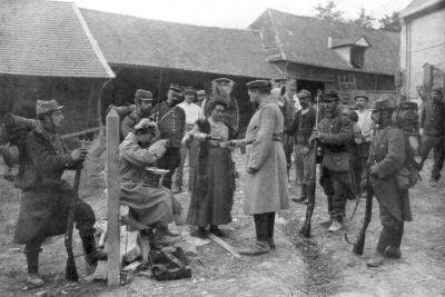 Captured German Prisoners, France, August 1914--Giclee Print