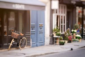 Paris by Carina Okula