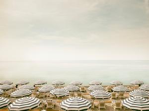 Seaside 4 by Carina Okula
