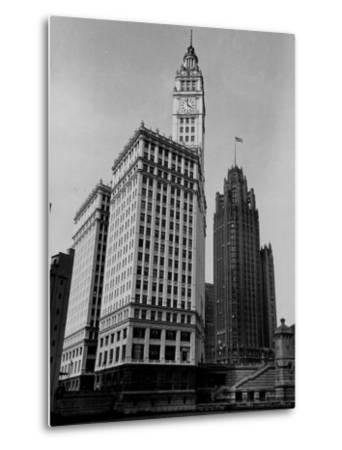 View Showing the Chicago Tribune Building