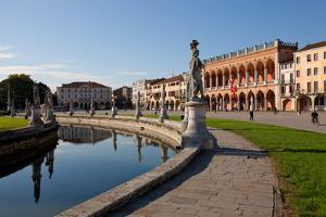 Prato della Valle, a 90000 square meter elliptical square in Padova, the largest square in Italy by Carlo Morucchio