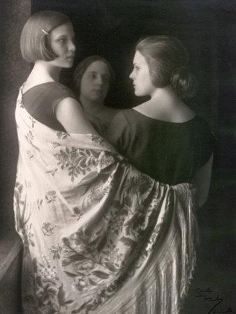 Marion and Wanda Wulz with Bianca Baldussi