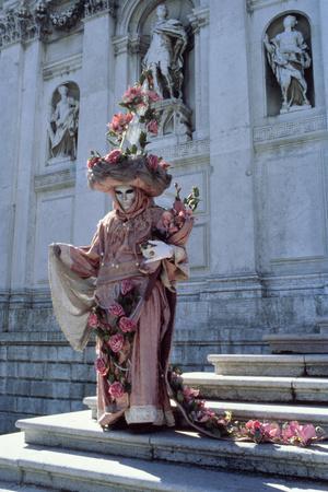 https://imgc.artprintimages.com/img/print/carnival-figure-on-the-steps-of-santa-maria-della-salute-venice_u-l-pw76f00.jpg?p=0