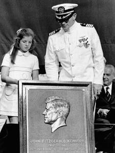 Caroline Kennedy and Capt Earl Yates, Commander of Aircraft Carrier, USS John F Kennedy