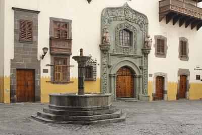 Casa De Colon, Las Palmas, Gran Canaria, Canary Islands, Spain-Peter Thompson-Photographic Print
