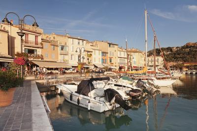 https://imgc.artprintimages.com/img/print/cassis-provence-provence-alpes-cote-d-azur-france-mediterranen-europe_u-l-q12sbi00.jpg?p=0