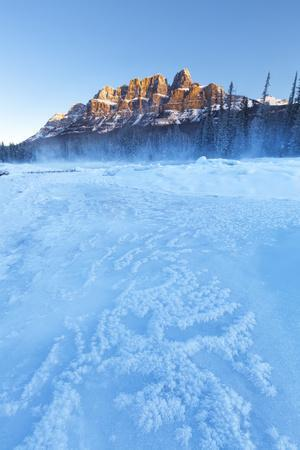 https://imgc.artprintimages.com/img/print/castle-mountain-and-the-bow-river-in-winter-banff-national-park-alberta-canada-north-america_u-l-q12sdl80.jpg?p=0