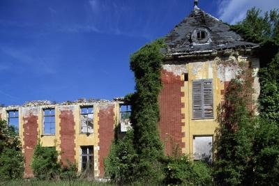 Castle of Coupvray Ruins, Ile-De-France, France, 16th-17th Century--Giclee Print