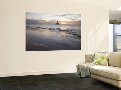 https://imgc.artprintimages.com/img/print/catamaran-at-sunset-seen-from-bucuti-beach-resort-on-eagle-beach_u-l-pfgxr20.jpg?p=0