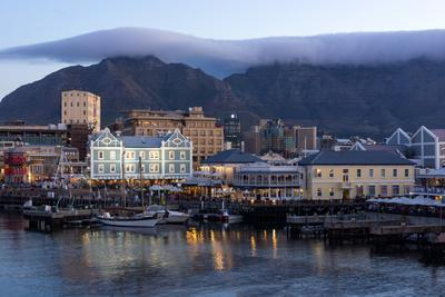 Cape Town, Harbour, Table Mountain with 'Tablecloth'