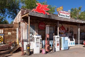 USA, Arizona, Route 66, Hackberry, Old Filling Station by Catharina Lux