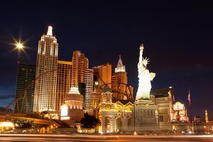 USA, Las Vegas, Hotel 'New York New York', Evening Light by Catharina Lux