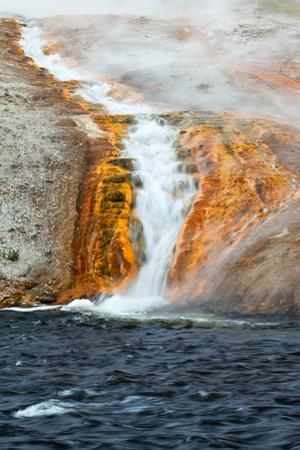 USA, Yellowstone National Park, Midway Geyser Basin