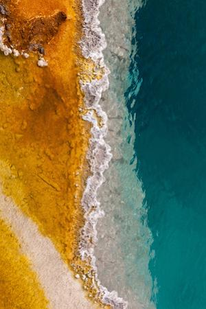 USA, Yellowstone National Park, West Thumb Geyser Basin, Black Pool
