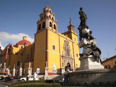 Cathedral of Guanajuato and Fountain, Guanajuato, Mexico-John & Lisa Merrill-Photographic Print