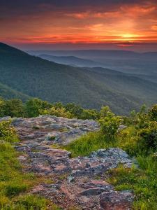 Franklin Cliff Overlook, Virginia, USA by Cathy & Gordon Illg