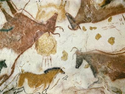 Cave of Lascaux, Ceiling of the Diverticulum: a Horse and Three Cows, C. 17,000 BC--Giclee Print