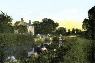 Caversham Lock, Berkshire, 20th Century--Giclee Print