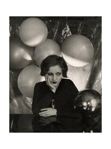 Vanity Fair - April 1931 by Cecil Beaton