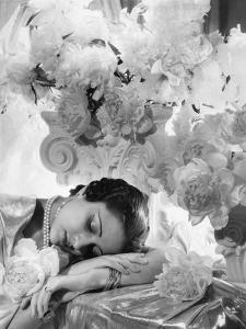 Vogue - July 1935 - Princess Karam of Kapurthala by Cecil Beaton