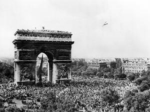 Celebrating the Liberation of Paris, 26 August 1944