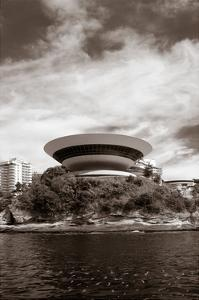 Contemporary Museum by CelsoDiniz