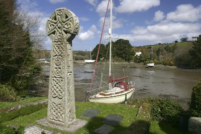 Celtic Cross, St Just in Roseland, Cornwall-Peter Thompson-Photographic Print