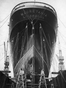 RMS Mauretania by Central Press