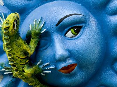 Ceramic Plaque Face and Lizard, San Miguel De Allende, Mexico-Nancy Rotenberg-Photographic Print