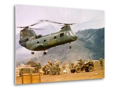 Ch-46 Helicopter Picking up Supplies