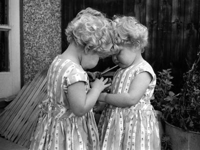 Champion Twins-Thurston Hopkins-Photographic Print