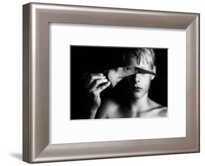 Changing face-Mirjam Delrue-Framed Photographic Print