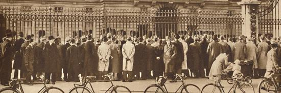 'Changing of the Guard, Buckingham Palace, December 4th', 1936 (1937)-Unknown-Photographic Print