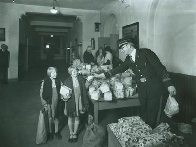Welfare Line, Salvation Army, 1927