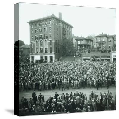 World Series Crowd Watches Scoreboard, 1926
