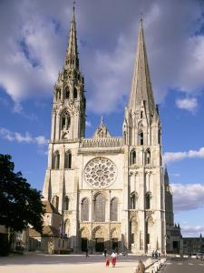 Chartres Cathedral, Unesco World Heritage Site, Chartres, Eure-Et-Loir, France by Charles Bowman
